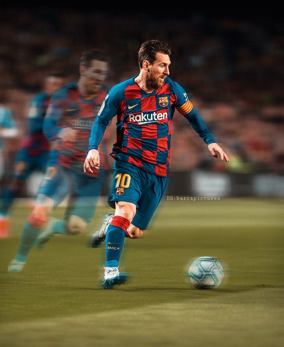 In order to accept any other player as the GOAT, you will surely need trophies, stats, and figures.  But to accept #Messi as the GOAT, a functioning brain, eyes and common sense is all you need! <br>http://pic.twitter.com/dLuqdrSYbB
