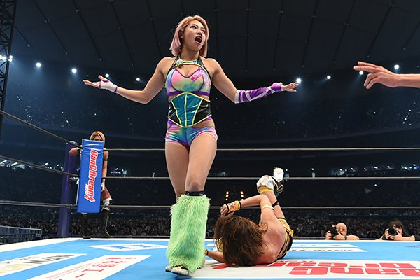 Hana Kimura was one of the first women to wrestle on a Wrestle Kingdom show, working in front of a packed Tokyo Dome this January. A whole, history making career was ahead of her. 22-years-old. Heartbreaking doesn't even begin to cover it #RIPHanaKimura https://t.co/i8HXD81AB4