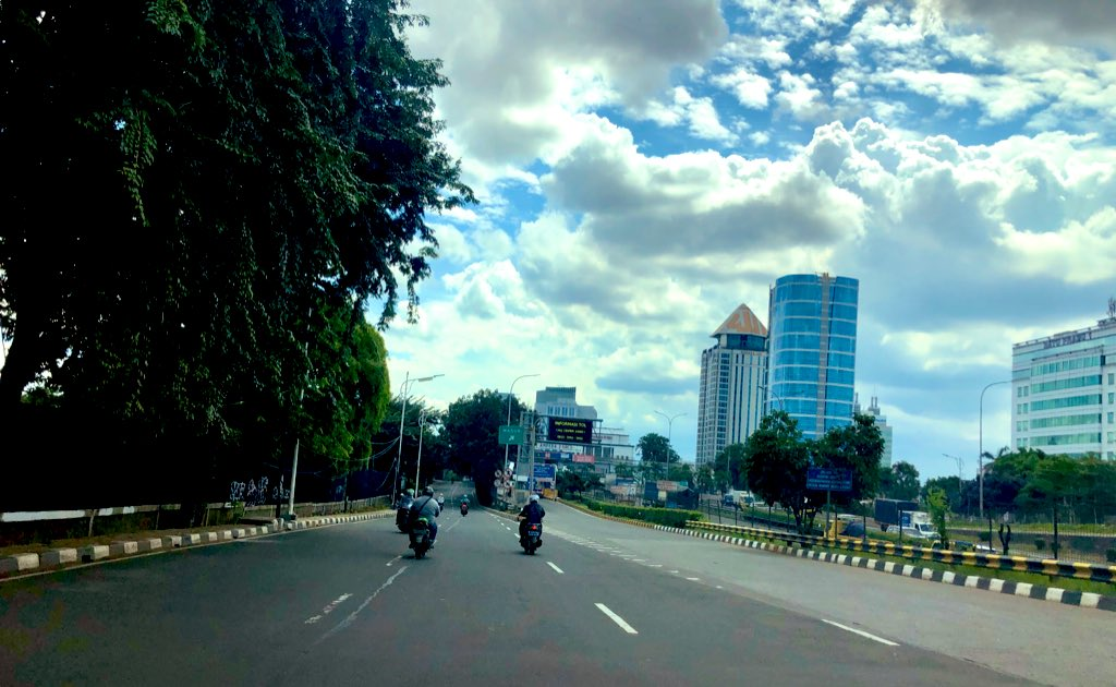 #dimobilaja pic.twitter.com/zYOewS8Ba6 – at TB Simatupang Traffic Light
