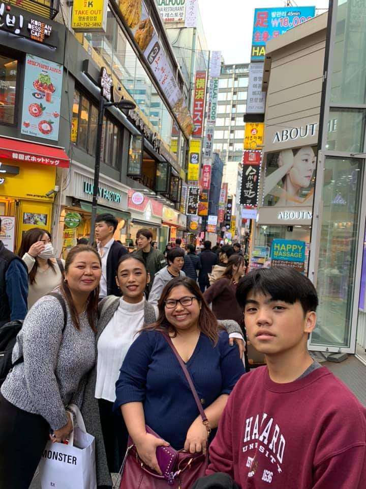Reunited and it feels so good~~💜From 3 different states in the US, we reunited in South Korea. College friends in PH.🤗 our first ever kbbq experience in Seoul😊 Myeongdong was our fave go-to food trip spot.  #VisitKorea #KoreaTrip #fall2019 #foodtrip #longdistancefriends