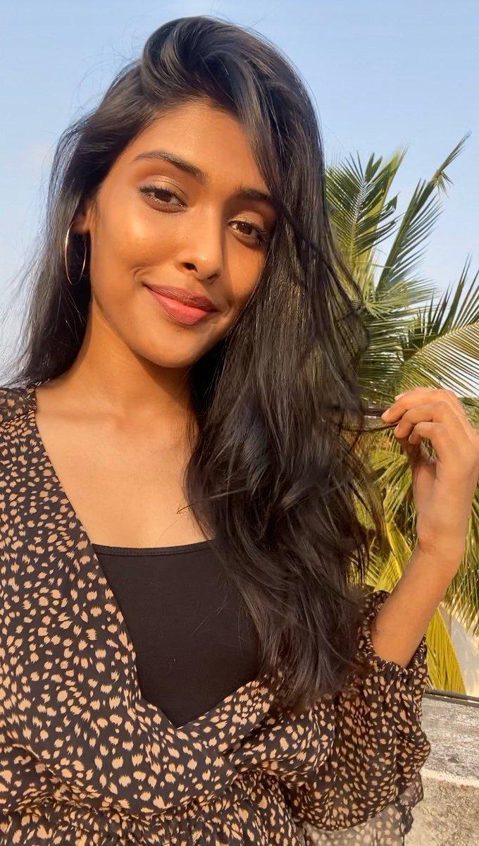 Sunsets #gayathrireddy #kollywood #tollywood #model #actor #modellife #actorslife #tamilcinema #chennai #quarentine #quarentinelifepic.twitter.com/Hu3CotsvWJ