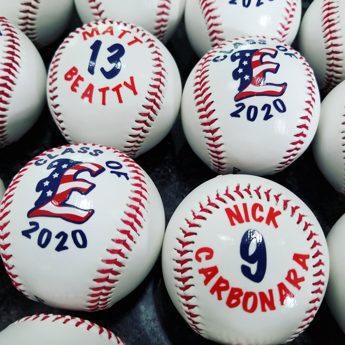 Little peak of some custom baseballs as a gift for seniors  #baseball #ClassOf2020pic.twitter.com/GSSVR5vmdU