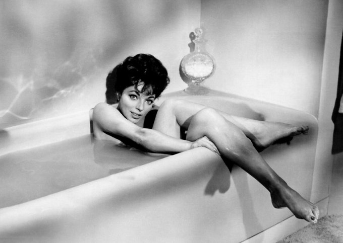 Happy 87th Birthday to  JOAN COLLINS