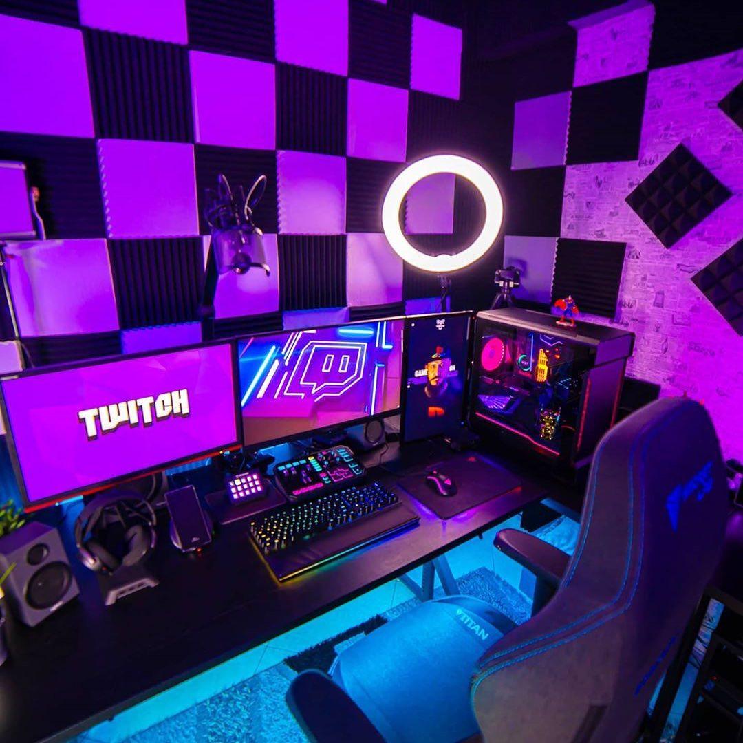 Setup de streamer twitch vous aimez ?   Valeur : 1-10 Follow @hardwareforsetup pour plus de contenu intéressant active la cloche  sa prend 2 petite seconde #PCGamer #pc #gaming #setuptour #setupgamer  #gamer #pcgaming #dreamsetup #setup #twitchstreamer #twitch #techpic.twitter.com/GN1x3HeeDK