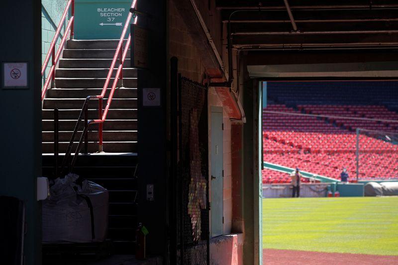 Reports: MLB economics proposal expected Tuesday https://t.co/psN21v9xmA https://t.co/7LT5p8B6YE