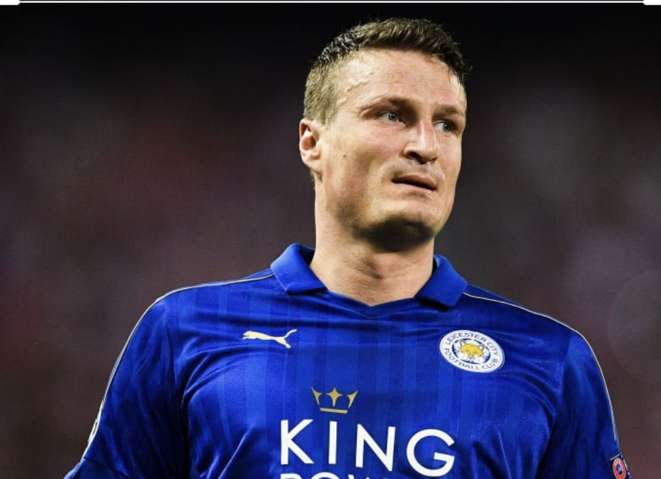 Looking forward to speaking to this man today. Only one of 7 players to win the @premierleague with 2 different clubs @robert_huth @ChelseaFC @LCFC #theplayerthecoachtheperson 3pm 🇬🇧 Register- zoom.us/webinar/regist…