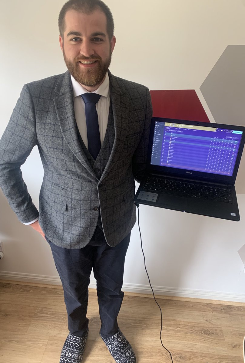 With our one year wedding anniversary on Monday (25th) @FootballManager have given me the perfect excuse to get my wedding suit out again! #FMCupFinalDay #FM20 https://t.co/ZePMD8Y9tS