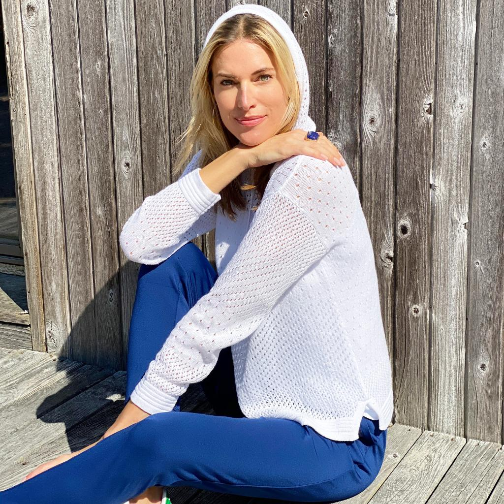 We're taking notes from @KristenTaekman on how to stay comfy and chic all holiday weekend. Click the link to shop: https://t.co/rLTZHxqC1i https://t.co/L3p5Q3GEn4