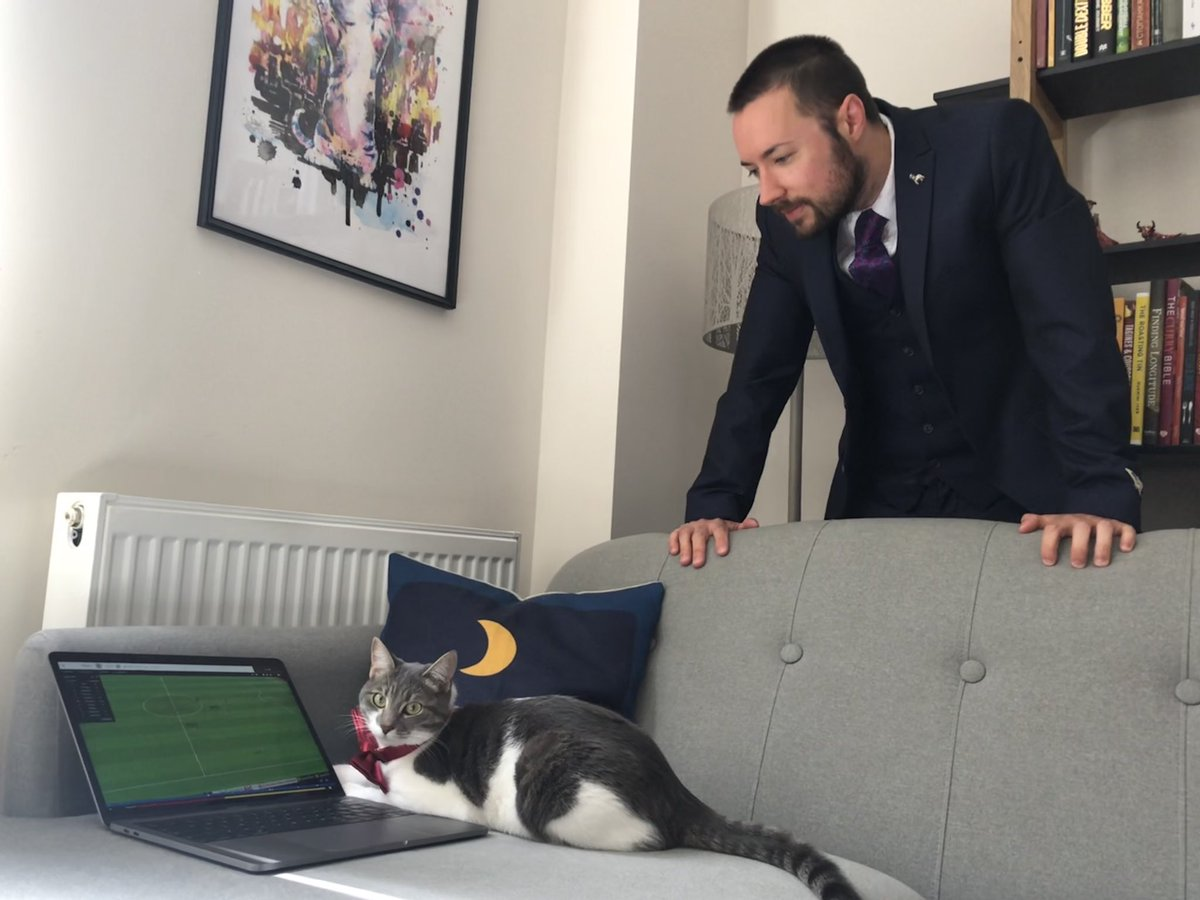 @FootballManager I'm unfortunately serving a touchline ban (never a red card!) so I've had to watch from the stands while my assistant takes control... #YesThatsABowTie #FMCupFinalDay https://t.co/NBhq7Gh63Y