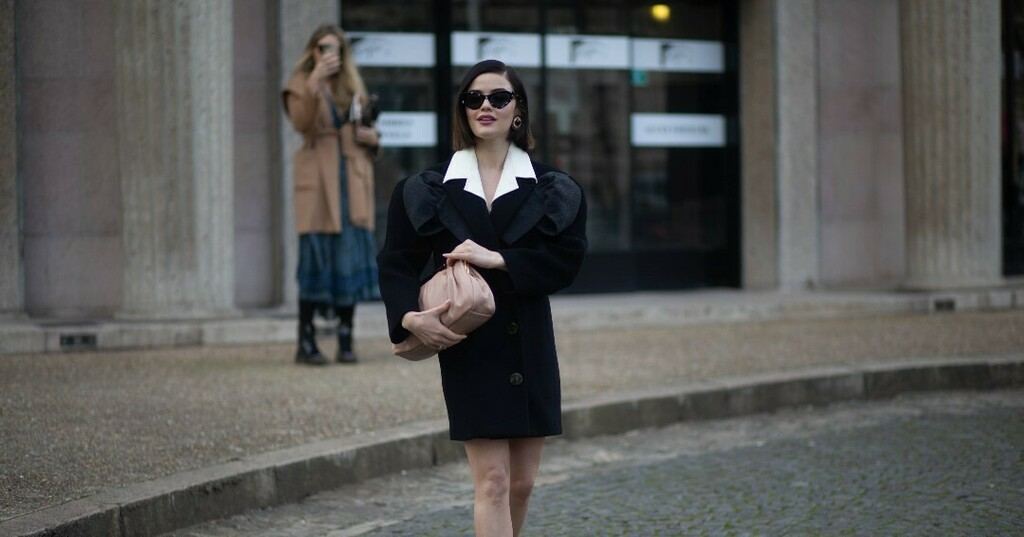 @parisfashionweek by @fhcm x @miumiu x @lucyhale . . .  #lucyhaleedit #ariamontgomeryedit #lucyhalestyle #lucyhalefans #lucyhale #mıumıu #miumiuss20 #miumiu財布 #miumiuclub #miumiulover #beautifulactress #actressgallery #actresslifestyle  #celebrityblo… https://instagr.am/p/CAhyXFDFnYI/pic.twitter.com/pNLrYeqSTl