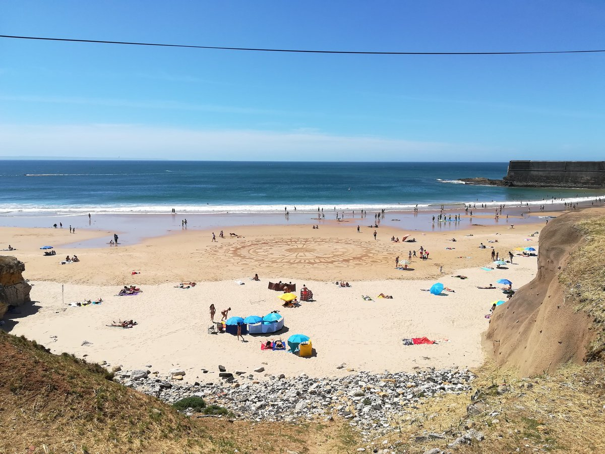 Sábado de muito #sol e #calor!  Cerca de 25°C em #Carcavelos / #Oeiras com muita gente nas #praias. @Tempo_Portugalpic.twitter.com/8i83XfgNaQ