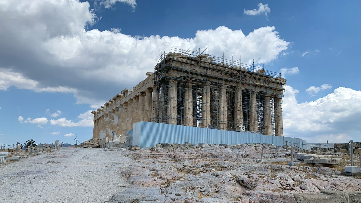 Very rare opportunity to see the Acropolis without people. *Amazing*   #Greece #Covid_19pic.twitter.com/z3JJTF7nPX