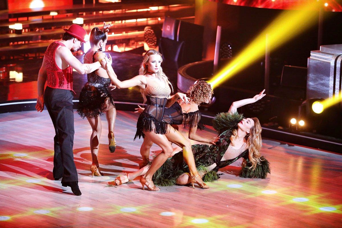 танцы со звездами тренер фото сухого