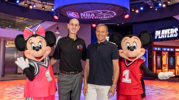 La #NBA annuncia che, insieme all'associazione giocatori NBPA, ha iniziato un discorso con la Walt Disney Corporation per riprendere la stagione 2019-20 al Disney's ESPN Wide World of Sports Complex di Orlando, in Florida, nel mese di luglio.  #NBATwitter https://t.co/IsixfoXmqO