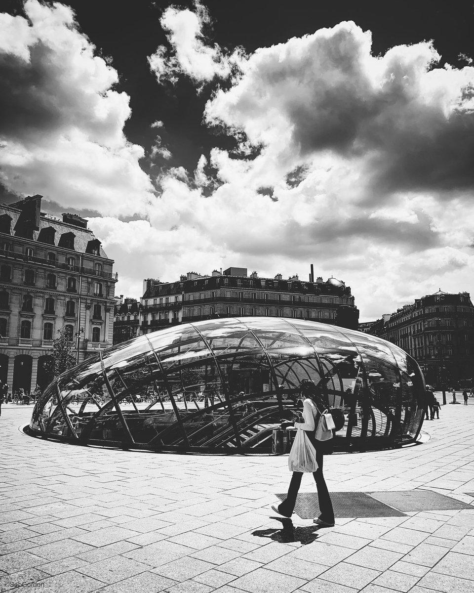 Paris series #paris #shotoniphonepic.twitter.com/WdTIrhfIGY
