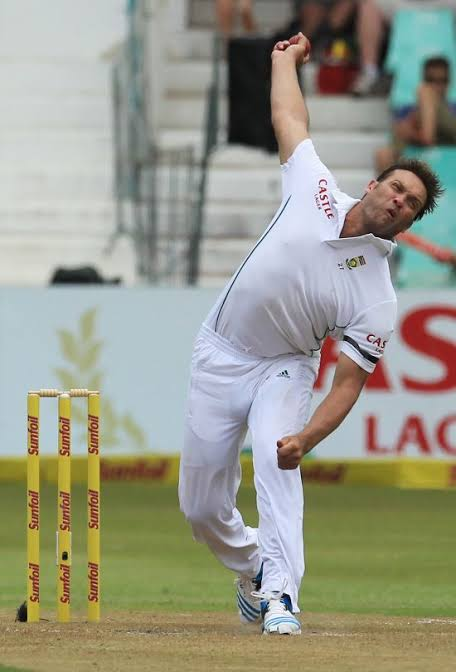 Jacques Kallis was a dream of cricket. People have written so much about Sobers,Kapil dev & Imran Khan.But dis guy @jacqueskallis75 conquered cricket & all depts without making noise  May b if he was born n India he might have received d adulation he deserves 4 rarest of talent<br>http://pic.twitter.com/d293dCTSPV