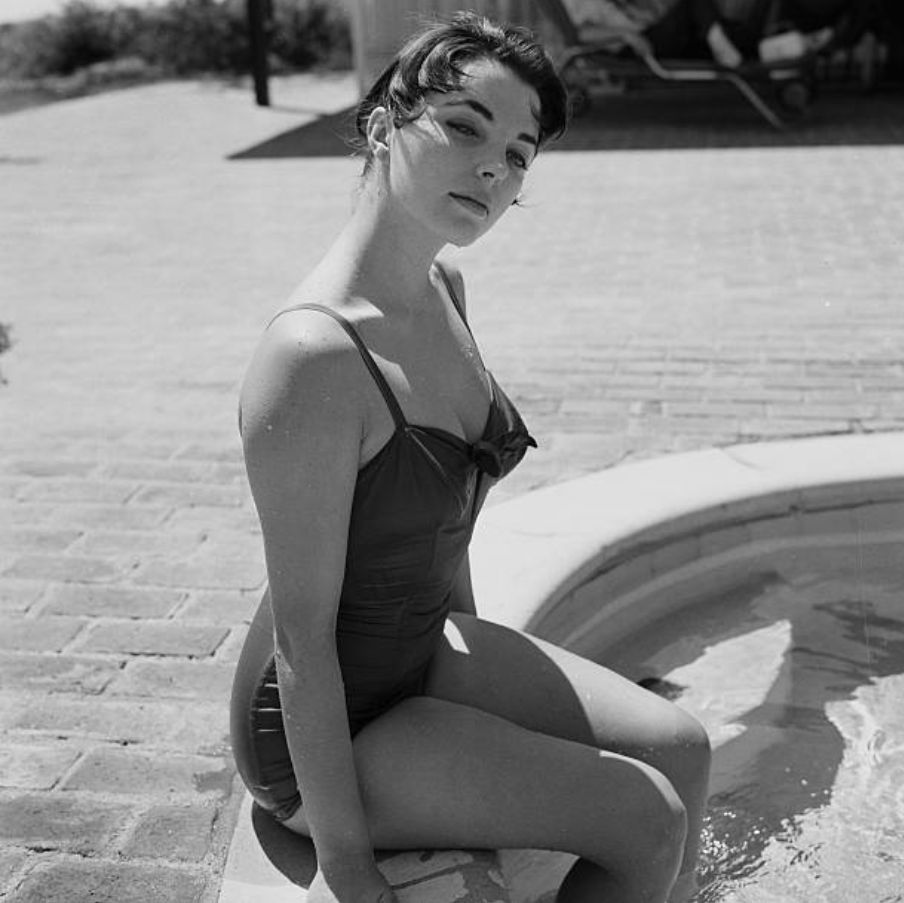Happy Birthday to Joan Collins, who was born on this day in 1933. Here she is at home in Los Angeles in 1955.