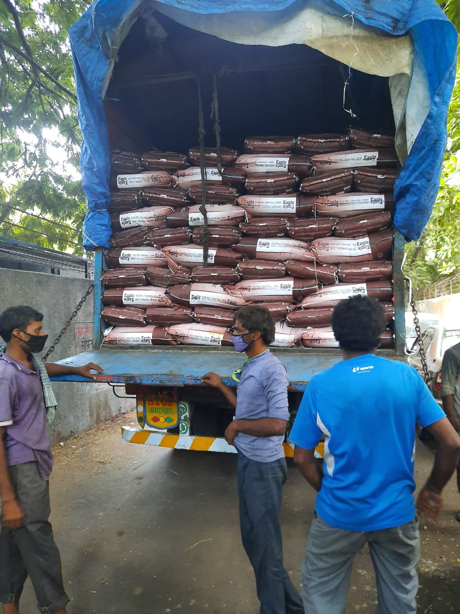 Dearest Manish Mundra ji you are an angel. The truck with 8500 kg rice, 3500kg dal and 1700kg aata has reached within 24 hours to Kinnars of Mumbai after tweeting to you. Thank you @ManMundra ! God bless you in abundance. More updates soon. #MNCDFrelief