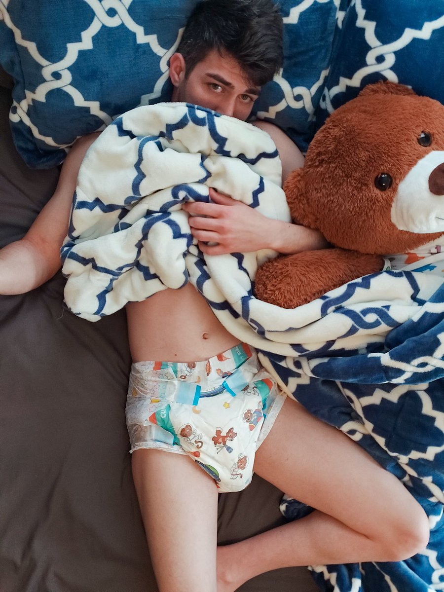 Can Bear and I just be Sleepy Heads all day today?  #HappyCrinklzDay #abdl #abdlcommunity #abdllife #abdllifestyle #littlespace #ageplay https://t.co/FpVgtfZaF7