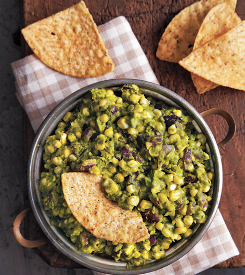 Guac on with #Charred #Guacamole with #Grilled #Corn from @ChefDavidGuas! The perfect sidekick for #tortillachips & it is equally as delicious on top of grilled chicken or steak. Check out the full recipe #cookbook #GrillNation and featured on @TheTalkCBS https://t.co/5FPTuihK3e https://t.co/noa5Eozgan