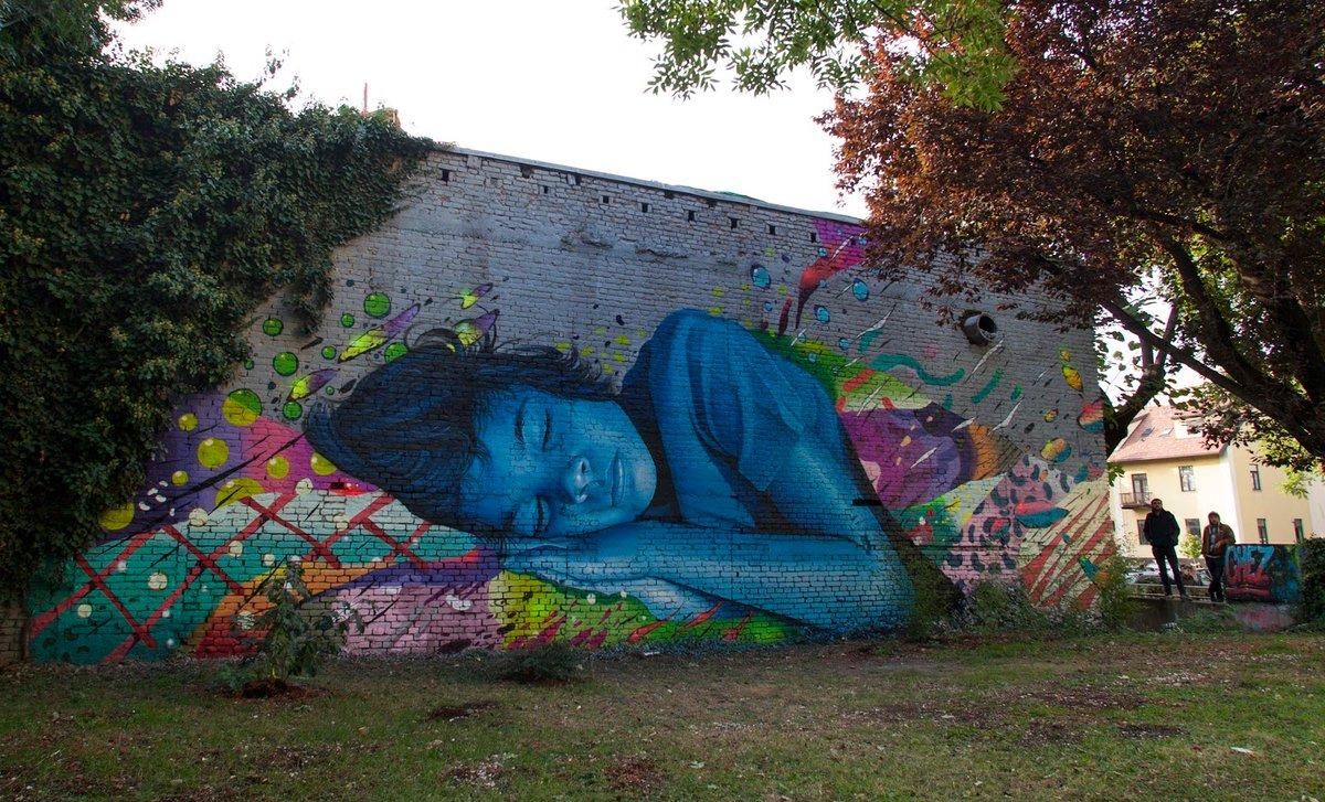 "#streetart #mural #urbanart ""Technicolor Dream"" by Lonac & Chez 186 in Zagreb, Croatia.pic.twitter.com/Nv820t2C3C"