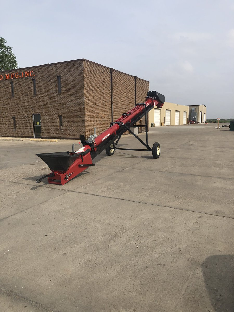 Custom 1530TD Unitube. Order Thursday afternoon, built in Cedar Falls, IA delivered to customer Saturday Morning. Just like they ordered it on Prime. #CustomerService @UniversalIndIncpic.twitter.com/r5odyVWGSv