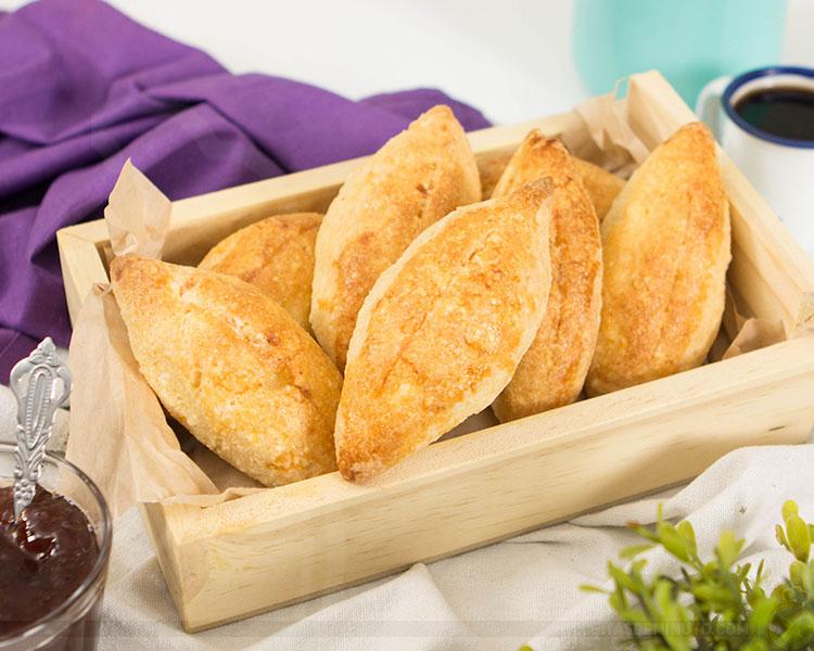 Quem quer pão... Que tá quentinho, tá quentinho, tá quentinho.... Não tem farinha de trigo nem fermento e é muito rápido de fazer! Então se joga: https://bit.ly/78receita #receita #semgluten pic.twitter.com/vpUImGcHcn