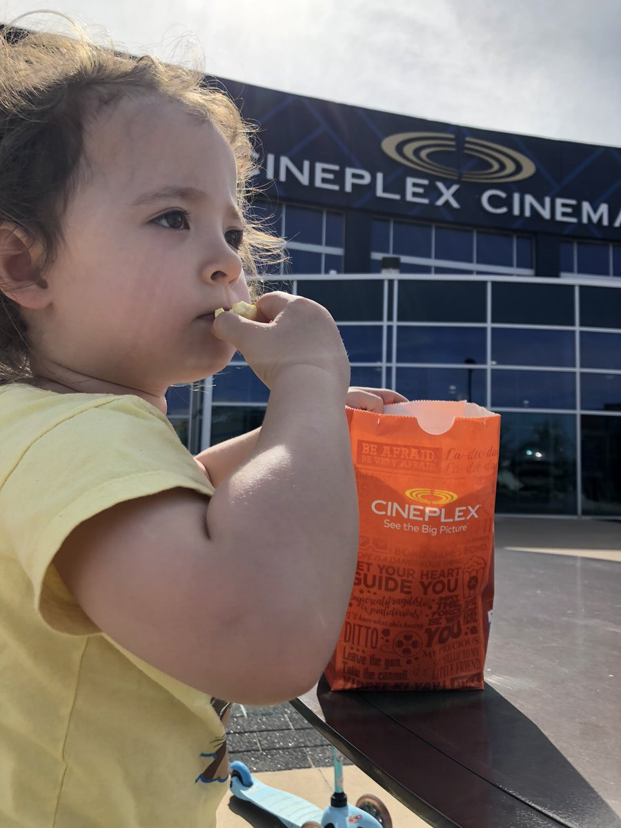 Went for a walk today by our local @CineplexMovies  and the amazing staff made our day with some fresh movie popcorn! How wonderful!! #cantwaittogoback #moviefamily pic.twitter.com/O38TooOwEB