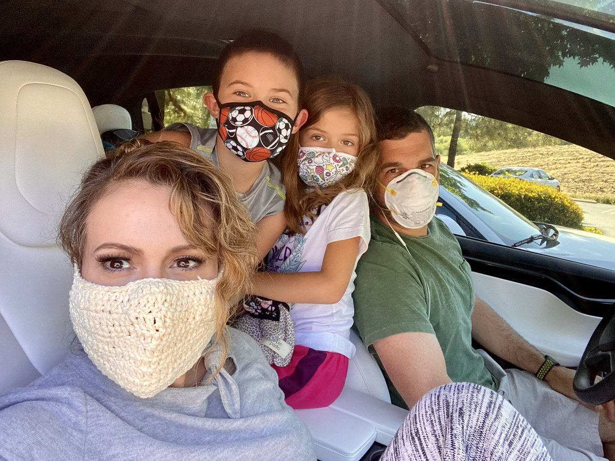 Show me your masks! Masks keep people safe and healthy. Show me yours! Ready? Go! #WearAMask https://t.co/MV9xANK9ll