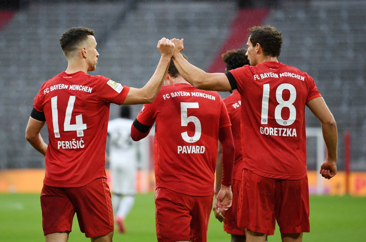 17: Bayern 1-0 Eintracht 41: Bayern 2-0 Eintracht 46: Bayern 3-0 Eintracht 52: Bayern 3-1 Eintracht 55: Bayern 3-2 Eintracht 61: Bayern 4-2 Eintracht What a game. 🍿