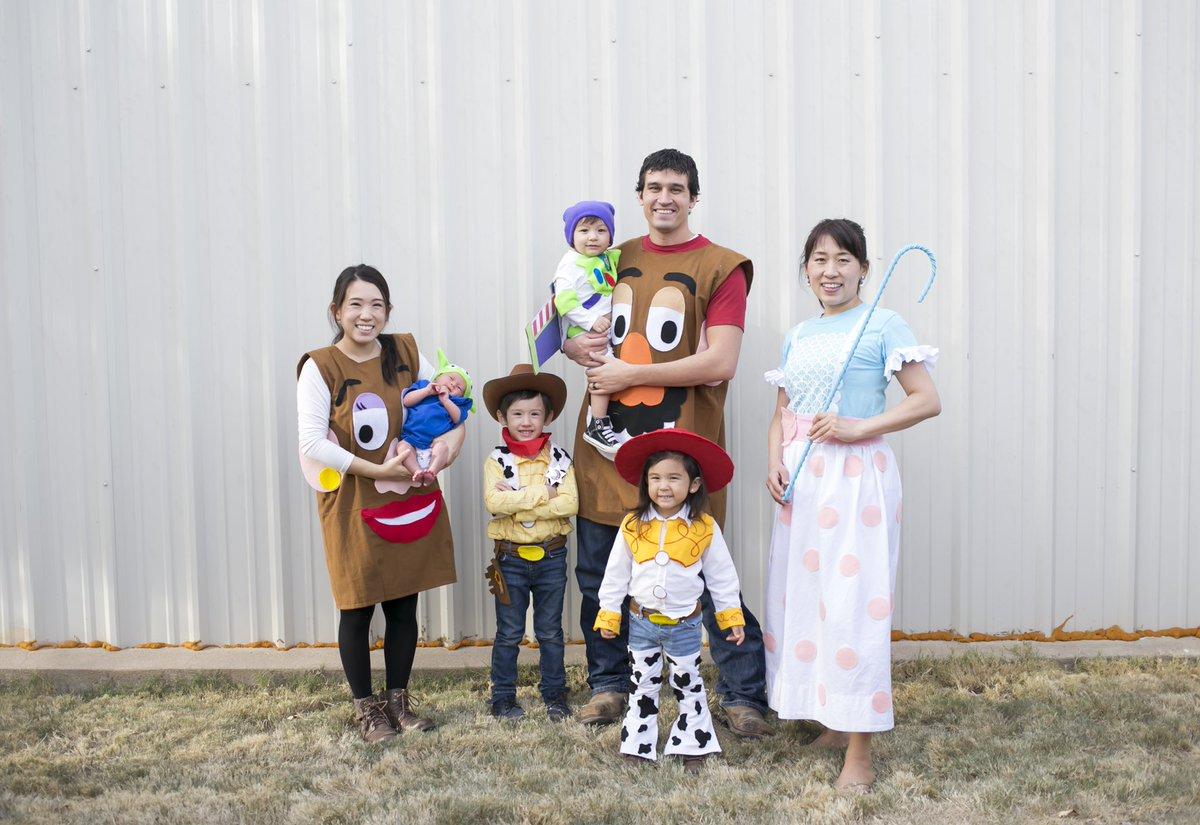 子供達が喜んでくれる間は 毎年家族みんなで ハロウィンを楽しむ我が家。 そしてこだわりは 衣装は全部私の手作り。  なかなか取り掛かる時間ないし 今年はもう考えていこうかな。  テーマ何にしよう。  #ハロウィン #アイデア募集 #手作りコスチュームpic.twitter.com/BtvprhmcoQ