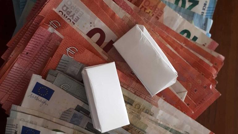 Twee aanhoudingen voor drugshandel in Beilen: De politie heeft in Beilen een 32-jarige man en een 65-jarige vrouw aangehouden voor bezit van en handel in verdovende middelen...