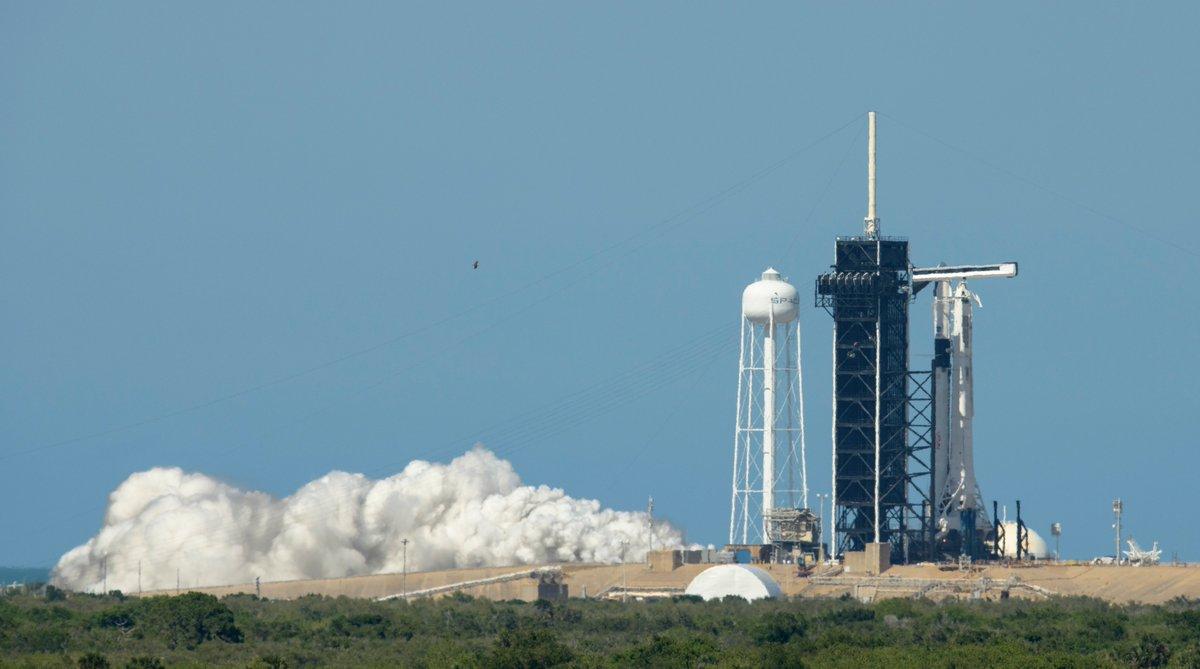 El cohete de la primera Crew Dragon tripulada pasa su prueba de encendido #Espacio | por @Wicho https://t.co/zKu9T0aWyO https://t.co/3i8qLpllRC