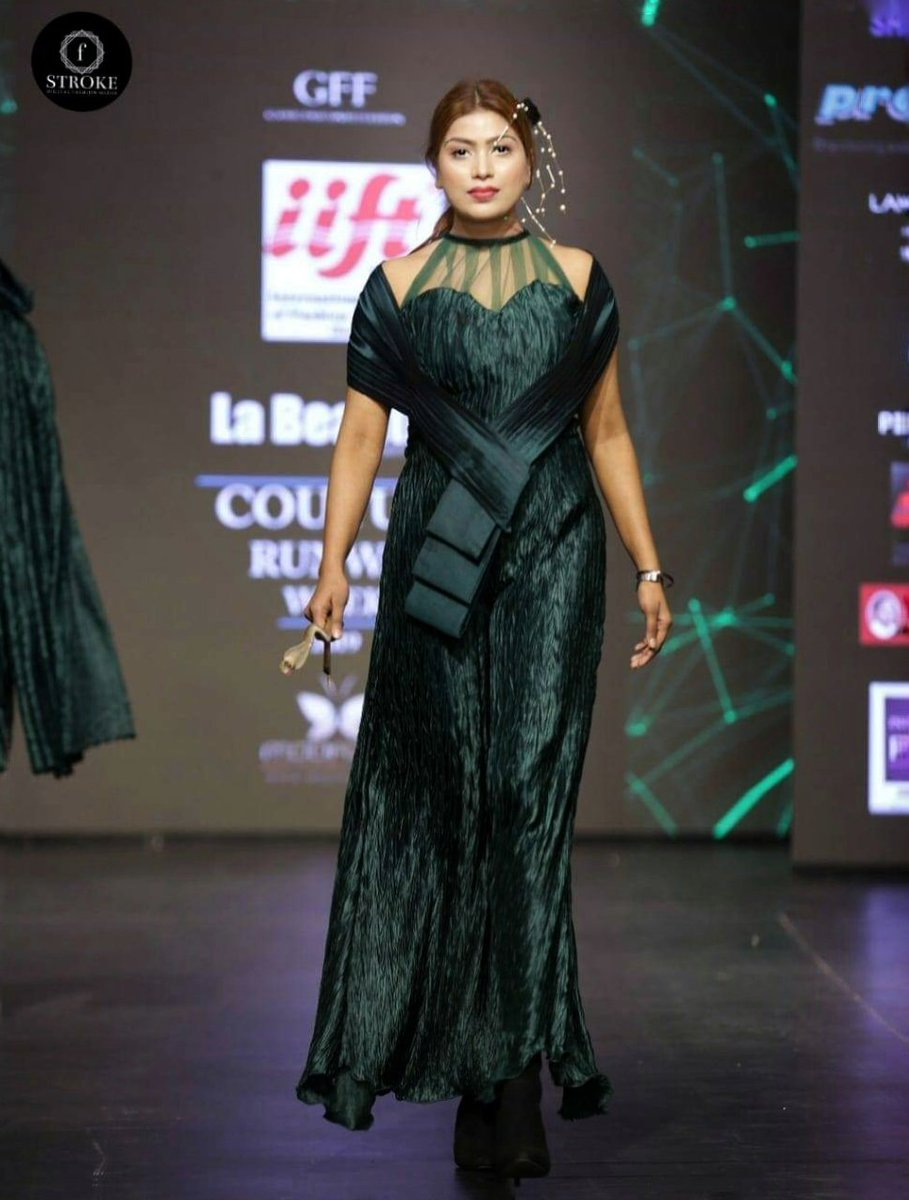 couture runway week 2020 #fashionmodel #runwaywalk #jitikadevi #fashionweek #models https://t.co/dNDXFMFvKg
