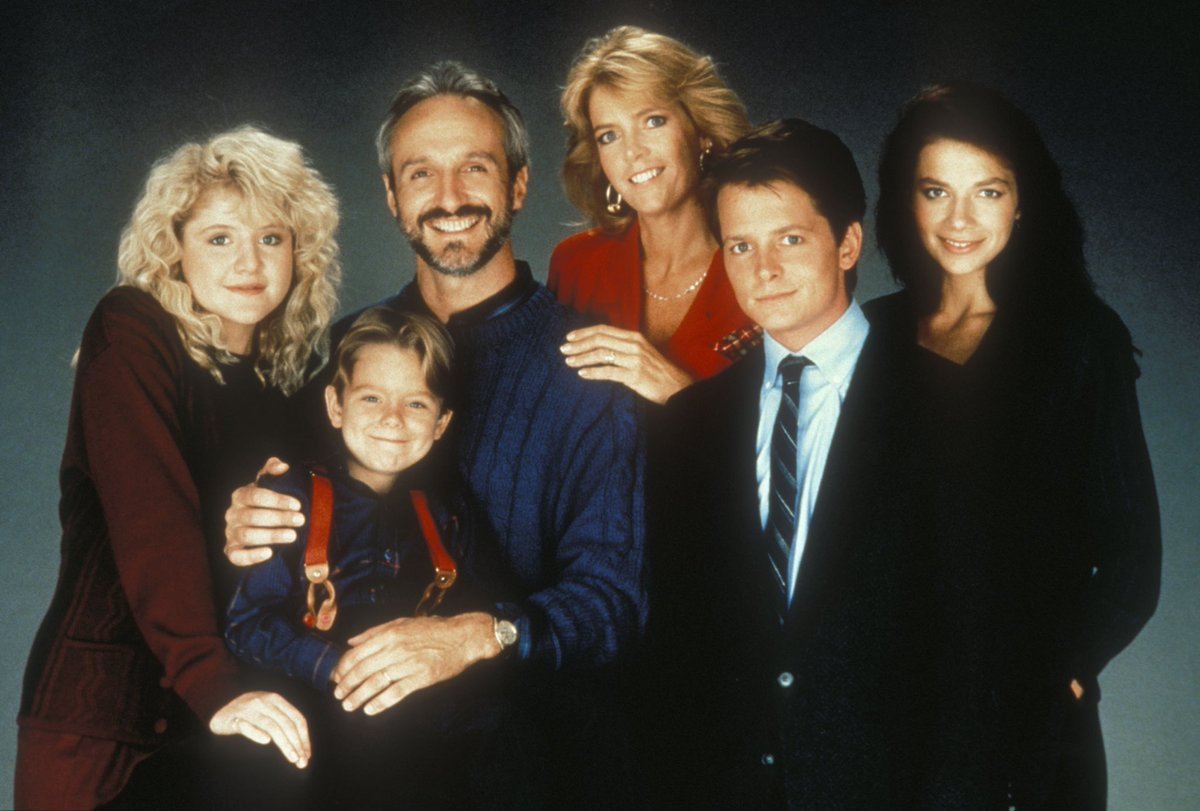 The Keatons will make you laugh & cry in a matter of 30 minutes. Guaranteed.   This....is #FamilyTies.  pic.twitter.com/94v8cJbUKU