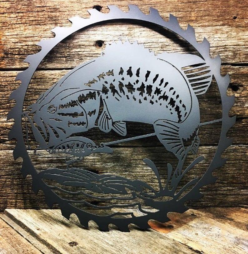 Bass Saw Blade available in metal or wood https://wowzaart.com/ #WallArt #MetalArt #WoodArtpic.twitter.com/INg3nhe4Iz