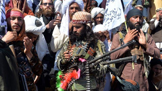 'Yan Taliban sun tsagaita wuta saboda bikin ƙaramar sallah https://bbc.in/36qtwGZpic.twitter.com/DeDrVQGQ6e