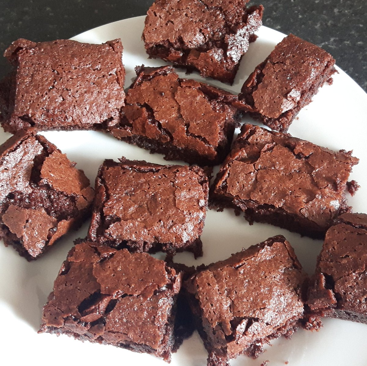 My favourite activity with my daughter on a wet day - #baking. #Vegan and #glutenfree #brownies - they are so good. Don't bake if on a diet. https://freefromyummies.ie/2018/09/20/vegan-gluten-free-brownies/… #dairyfree #soyafree #eggfree #glutenfree #peanutfree #nutfree #nutfreevegan #allergychild #coeliacfriendlypic.twitter.com/l3AvNBVk2U
