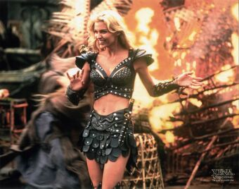 PLEASE BRACE FOR IMPACT the xena/callisto hang starts in our @patreon slack group in FOUR MINUTES just as soon as I finish setting a bunch of carts on fire -JOY
