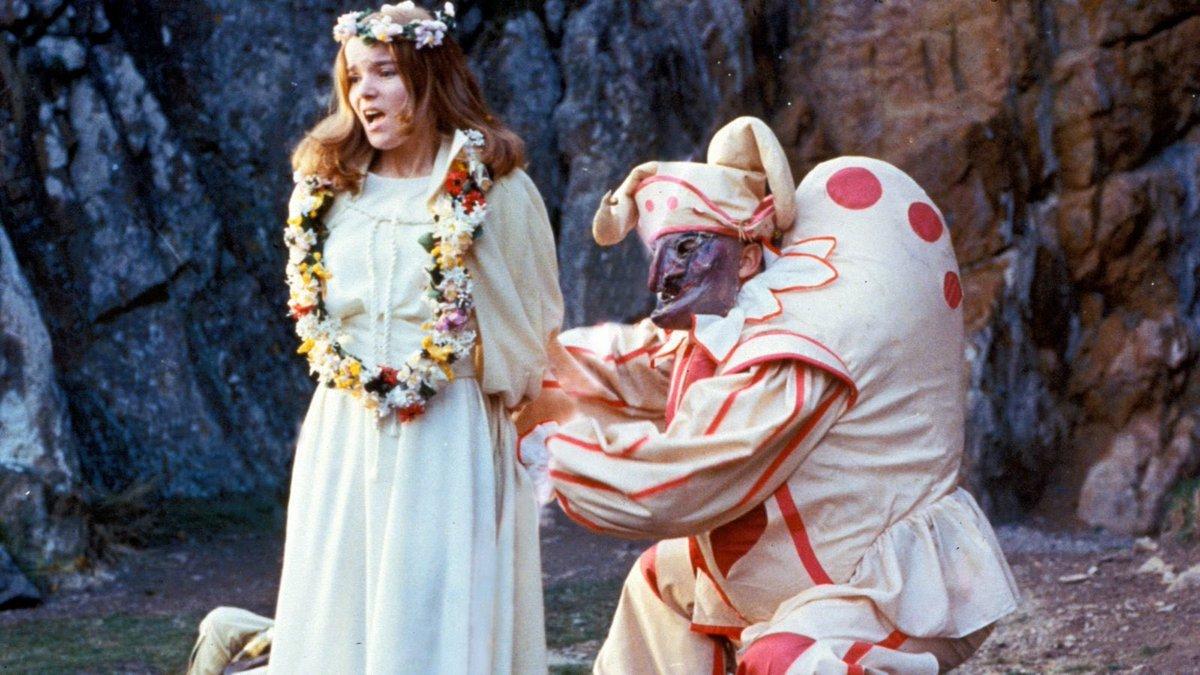 The Wicker Man (1973) Dir. Robin Hardy<br>http://pic.twitter.com/Vc0RWHg0jJ