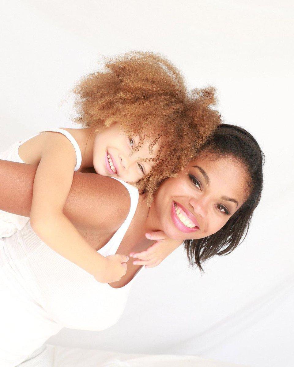 This mother-daughter bond radiates joy. . . . #family #momlife #motherhood #joy #love #familyphotography #familyportraits #motherdaughter #oclife #ocfamily #ocphotography #ocphotographer pic.twitter.com/GaTZguAMAm