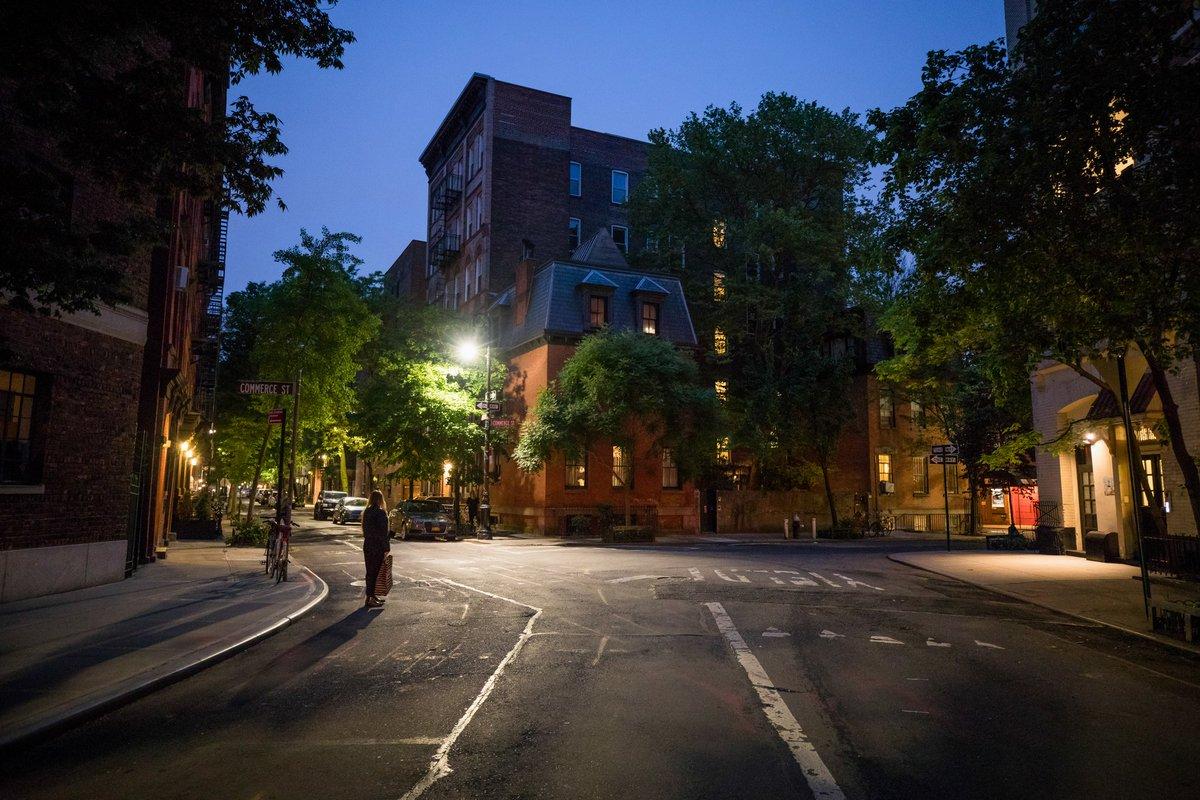 Tonight's blue hour down Barrow Street #NYC pic.twitter.com/jEni7asf7L