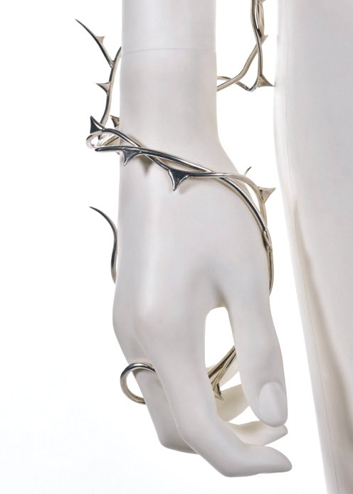 silver thorn arm-vine and earing by shaun leane for alexander mcqueen a/w 1996