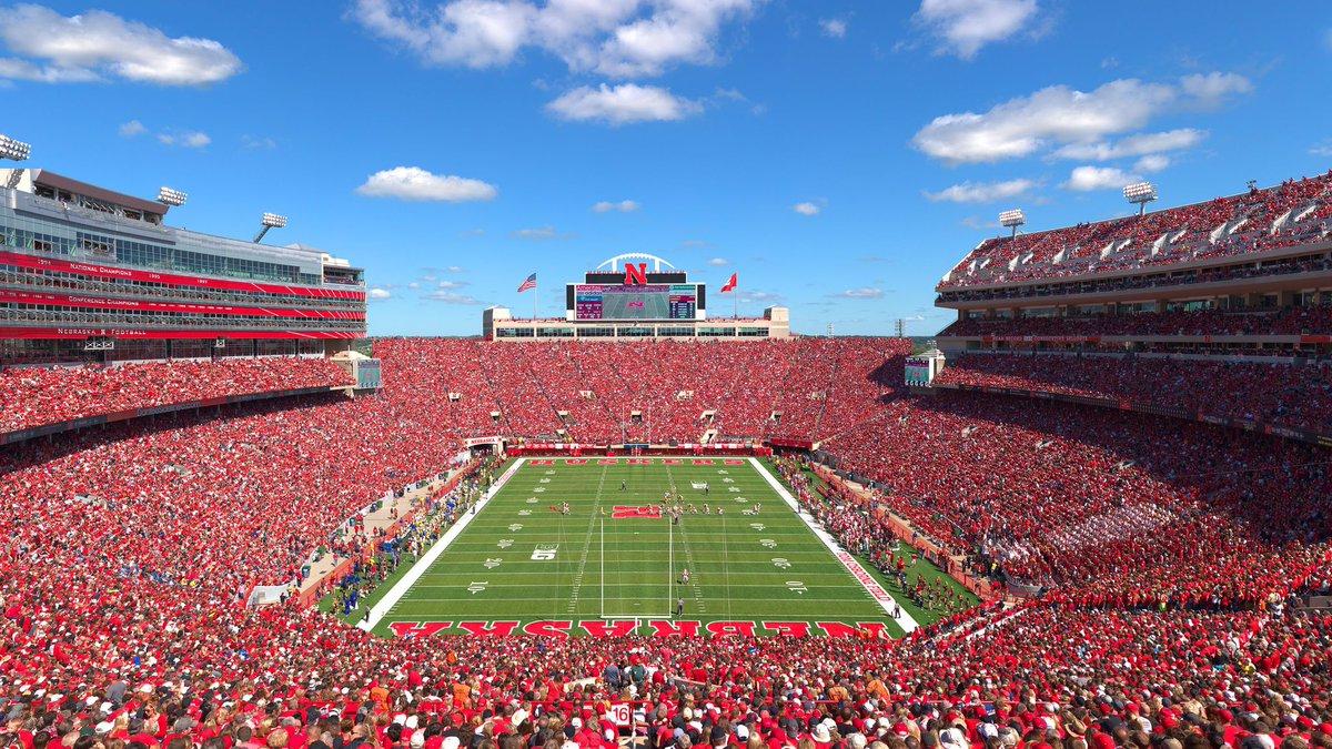 Stadium of the Day🌝  🏟️ Memorial Stadium  📍 Lincoln, NE ✅ Capacity: 90,000 https://t.co/BvFMODGtnU