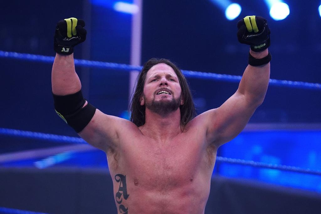 Back in the  that HE BUILT! #SmackDown  #ICTitle @AJStylesOrg<br>http://pic.twitter.com/r3iWZWdXmT