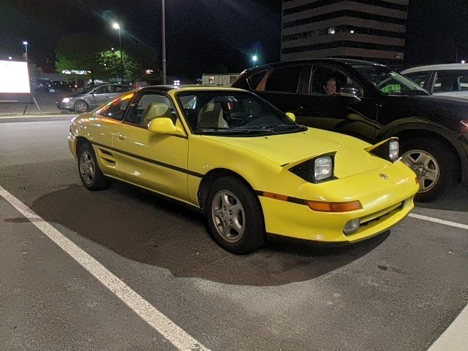 When you find another #Toyota #MR2 owner, you have to stop and look...pic.twitter.com/27tgGSuszq