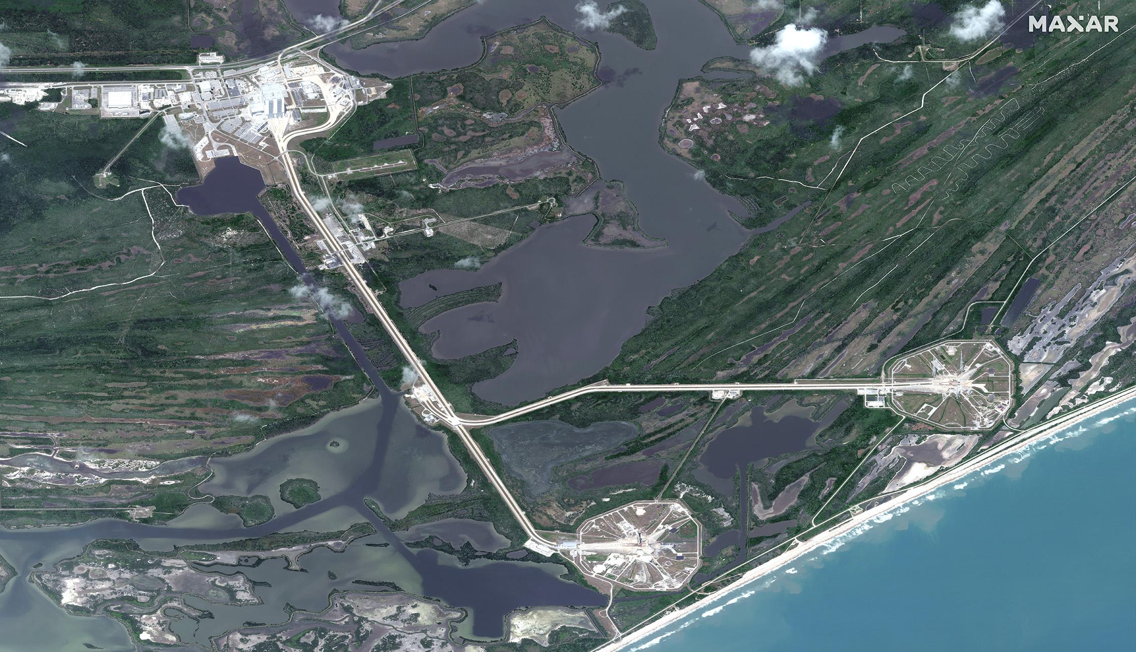 часть! космодрома Канаверол, площадки LC-39A и LC-39B