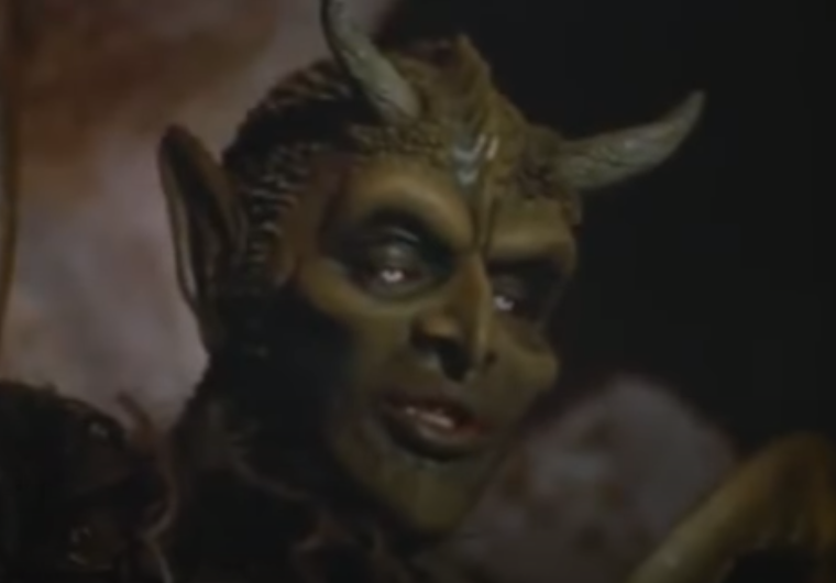 """""""You're staring at my horns. Please stop doing that."""" #svengoolie <br>http://pic.twitter.com/Hh3XUZmvn0"""