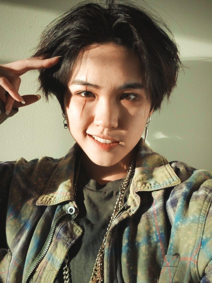 Sooo I did makeup for #DAECHWITA  #Yoongi #AgustD #대취타 #슈가 #민윤기 #BTS @BTS_twt<br>http://pic.twitter.com/J5HfYqHzrn
