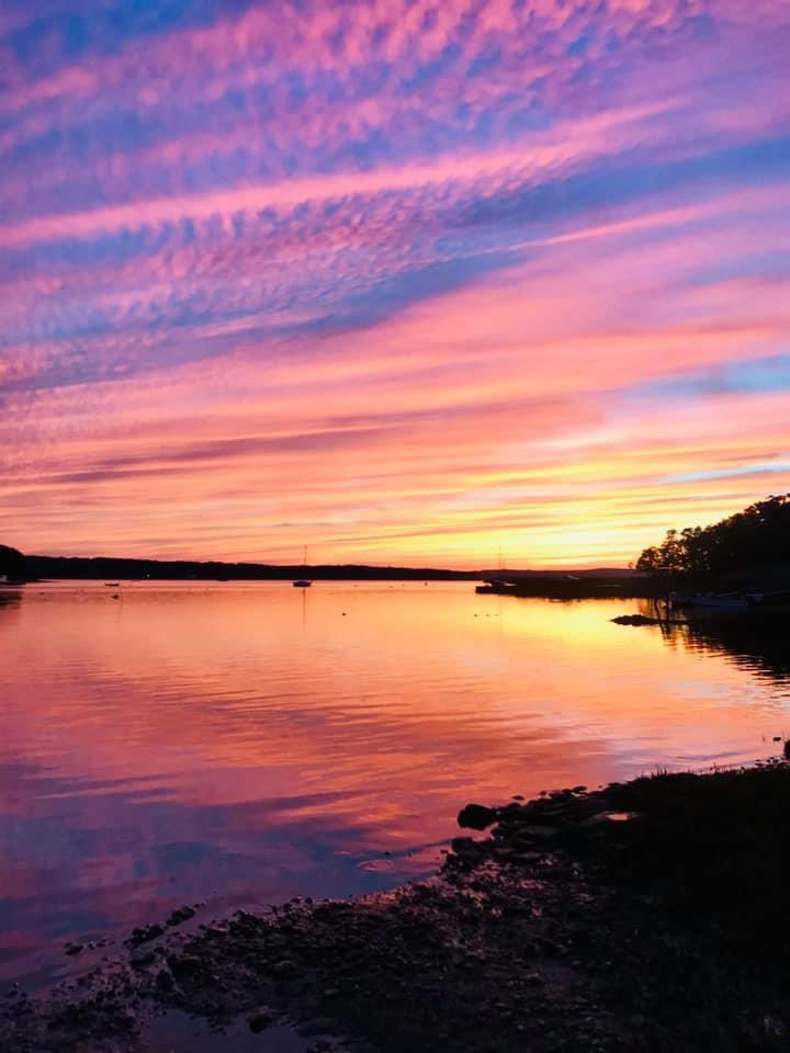 Wow! Old Lyme CT #sunset :Alexandra Hatch pic.twitter.com/fA3GXOC0y9